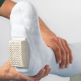Как сделать поддерживающую повязку для руки - wikiHow 54